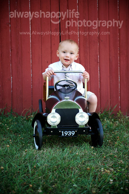 Outdoor 15 month old portraits